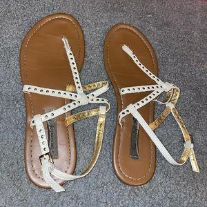 {AMERICAN EAGLE} White Sandals
